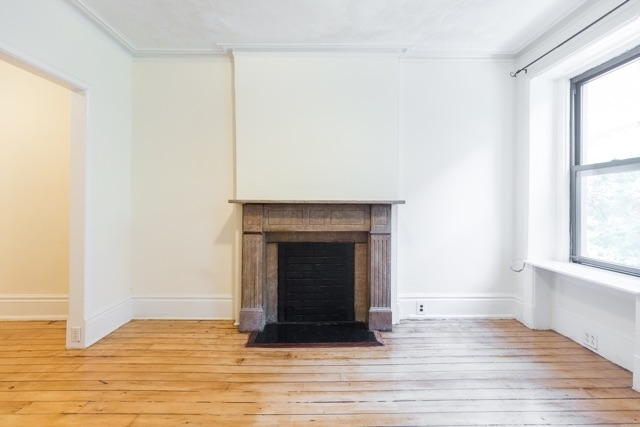 2 Bedrooms, Hell's Kitchen Rental in NYC for $2,398 - Photo 2