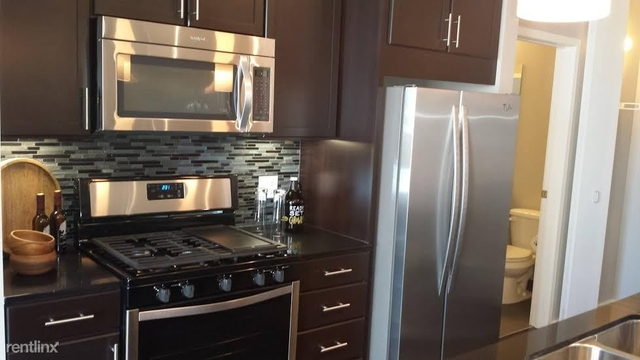 2 Bedrooms, West Loop Rental in Chicago, IL for $3,200 - Photo 2