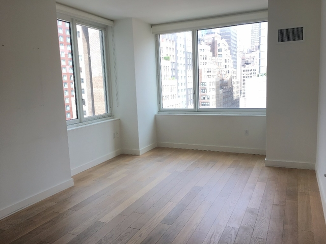2 Bedrooms, Hell's Kitchen Rental in NYC for $5,545 - Photo 1
