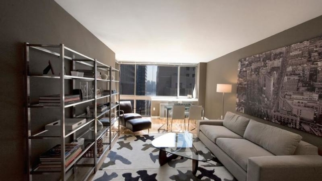 3 Bedrooms, Financial District Rental in NYC for $5,490 - Photo 2