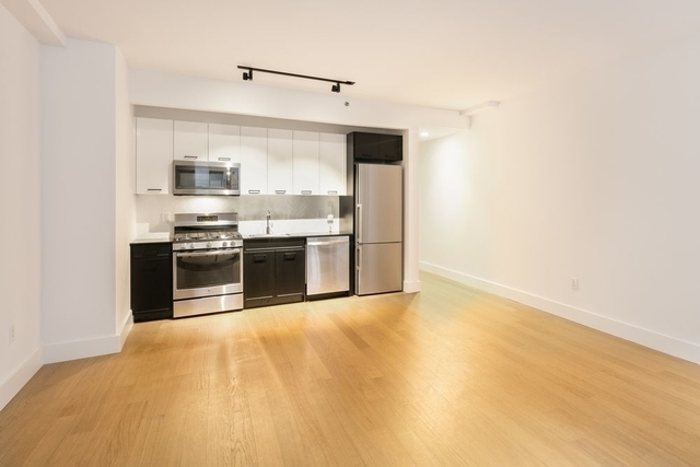 Studio, Financial District Rental in NYC for $3,790 - Photo 2
