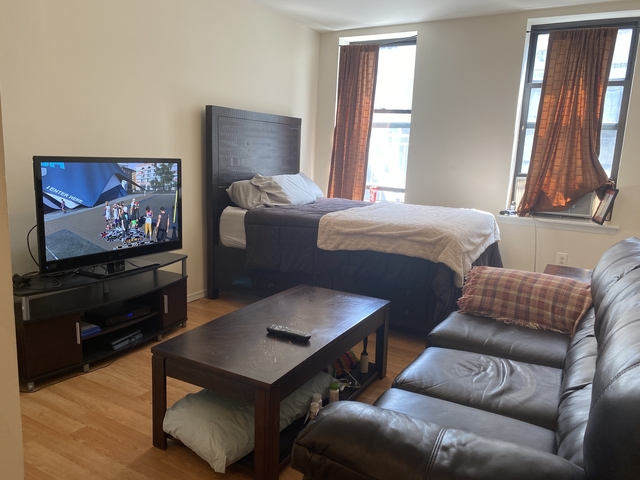 Studio, Hell's Kitchen Rental in NYC for $1,895 - Photo 1