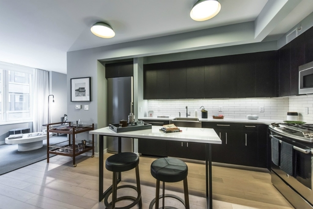 Studio, Hell's Kitchen Rental in NYC for $2,860 - Photo 1
