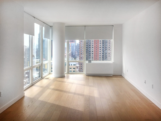 3 Bedrooms, Hell's Kitchen Rental in NYC for $7,650 - Photo 1