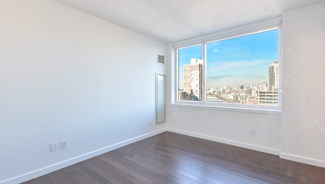 3 Bedrooms, Battery Park City Rental in NYC for $14,350 - Photo 2
