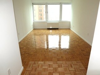 3 Bedrooms, Gramercy Park Rental in NYC for $4,200 - Photo 2