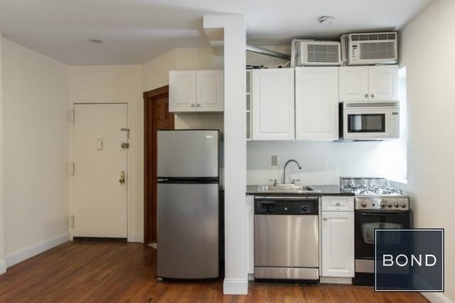 2 Bedrooms, West Village Rental in NYC for $3,825 - Photo 2