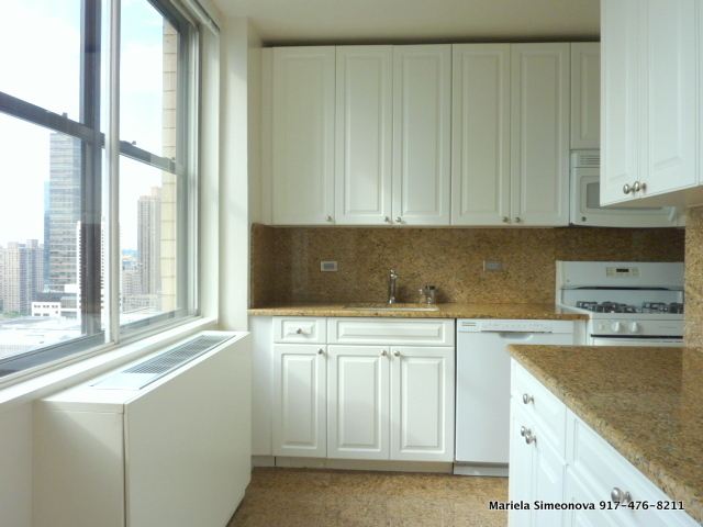 3 Bedrooms, Lincoln Square Rental in NYC for $6,790 - Photo 2