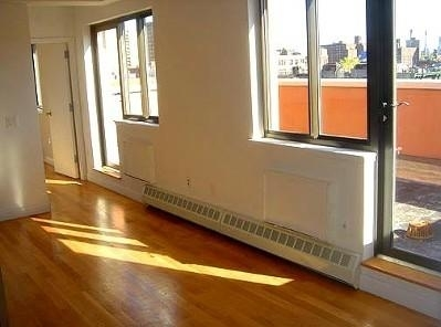 3 Bedrooms, Lower East Side Rental in NYC for $5,490 - Photo 2