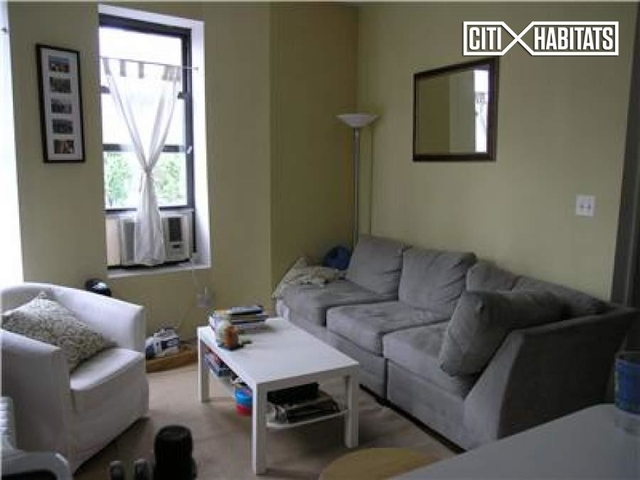 3 Bedrooms, West Village Rental in NYC for $5,250 - Photo 2