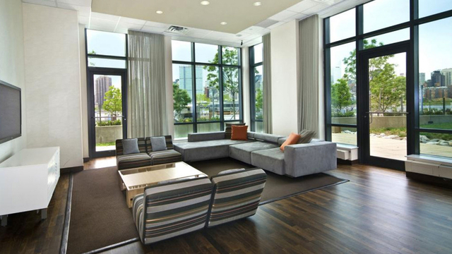 Studio, Hunters Point Rental in NYC for $2,395 - Photo 2