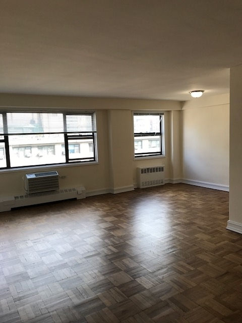 3 Bedrooms, Upper East Side Rental in NYC for $5,684 - Photo 1