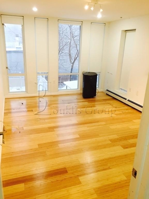 3 Bedrooms, Astoria Rental in NYC for $3,300 - Photo 1
