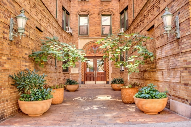 3 Bedrooms, Upper East Side Rental in NYC for $6,540 - Photo 1
