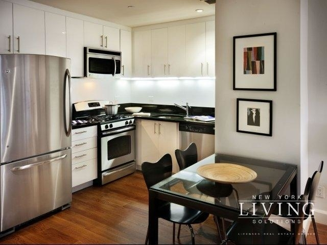 2 Bedrooms, Downtown Brooklyn Rental in NYC for $3,775 - Photo 2
