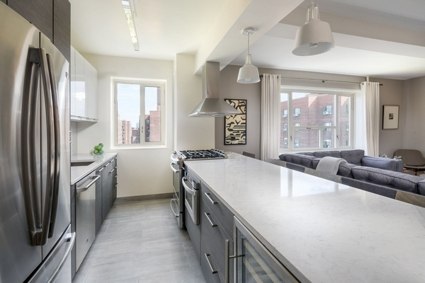 3BR at 541 East 20th Street - Photo 14