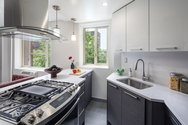 2BR at 635 East 14th Street - Photo 12