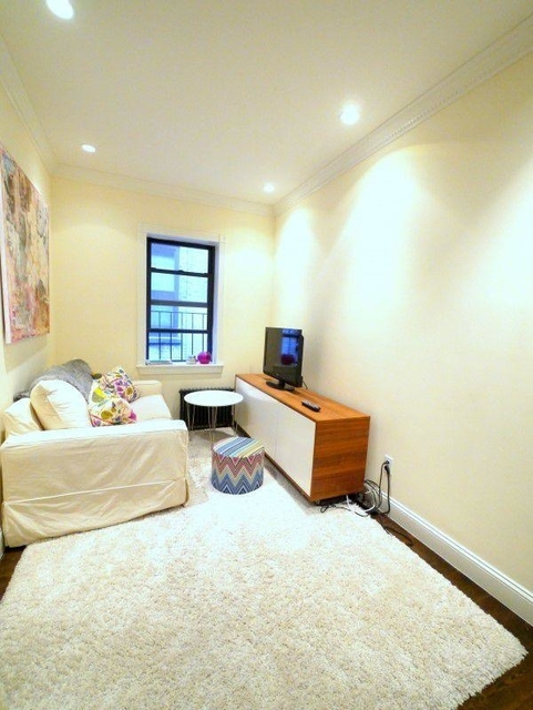 1 Bedroom, West Village Rental in NYC for $3,110 - Photo 2